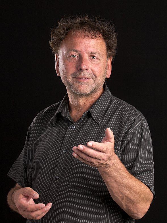 Dr. Jo Becker